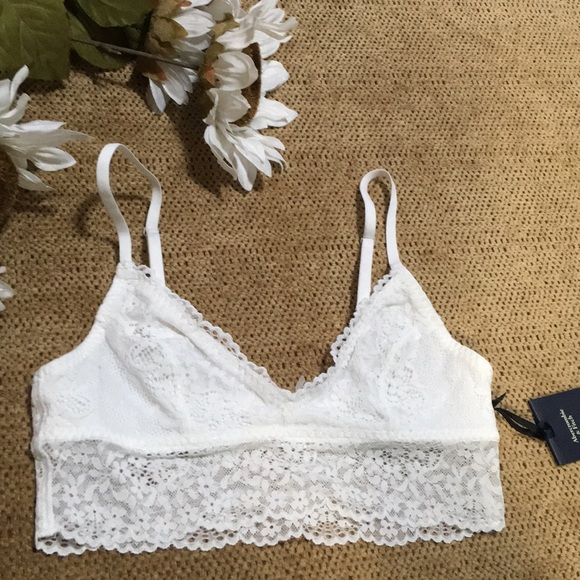 04ee33691c2 Abercrombie   Fitch Gilly Hicks Bralette Size XS